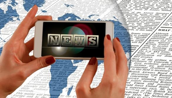 news_hands